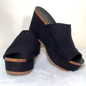 Mad Love platform wedge sandals fabric instep. Sz8